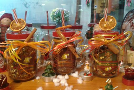 Süßes Teegeschenk im Henkelbecher - befüllt mit verschiedenen Sorten