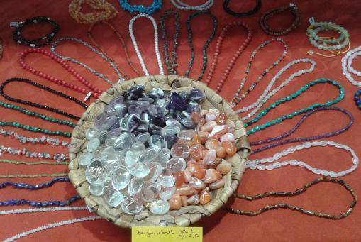 Steinketten - Ein Must - Have für jedes Sommer Outfit!