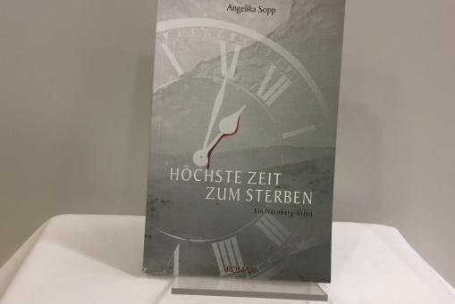 Höchste Zeit zum Sterben - Angelika Sopp