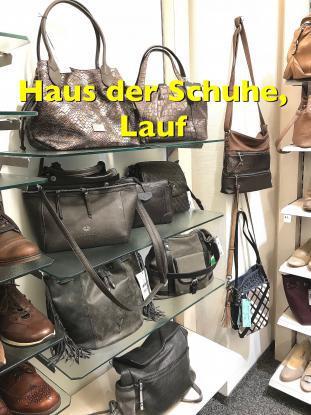 Wir bieten Ihnen Handtaschen passend zu Ihren Schuhen !
