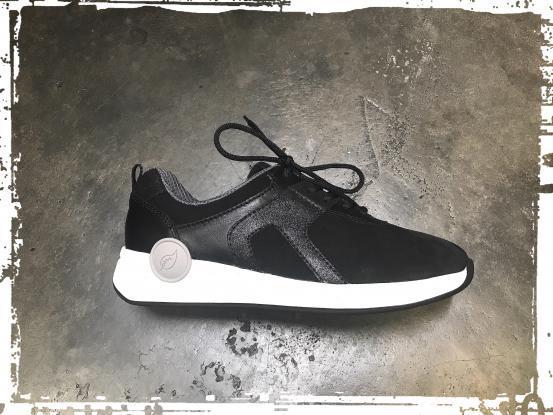 Waldläufer- dezenter Sneaker mit Wechselfussbett- Weite H