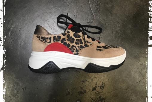 Paul Green - stylischer Sneaker mit markanter Laufsohle