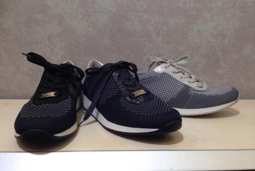 Ara- Sneaker mit Strickoberteil .... besonders flexibel..... in grau, blau, schwarz