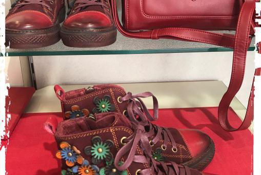 Laura Vita- witziger Sneaker als Stiefelchens