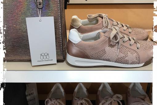 Ara - Sneaker in pudrigem Rosa .... mit verschiedenen dazu passenden Handtaschen