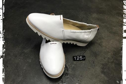 Paul Green - schlichter Slipper mit modischer Laufsohle