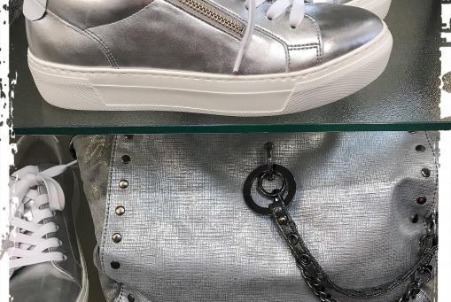 Gabor - Sneaker mit Plateausohle in Silber und auch in Weiß erhältlich