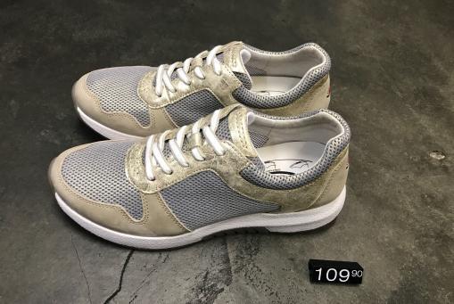Rolling Soft - federleichter Sneaker mit spezieller Abrollen-Sohle