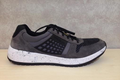 Camel- modischer Sneaker in grau-schwarz, Veloursleder mit Textil