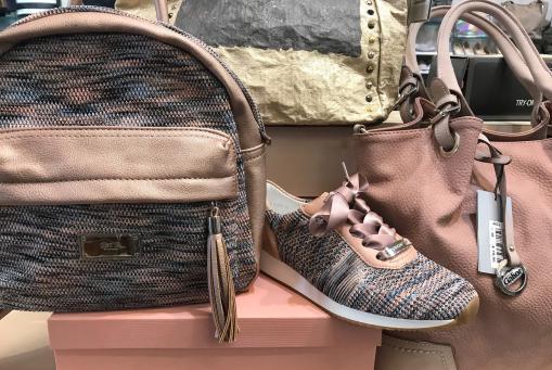 Ara - modischer Textilsneaker mit passendem Rucksack