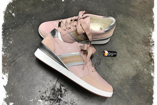 Ara - Sneaker mit leichtem Keil und Wechselfussbett