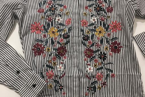 Bluse mit Stickerei von Comma Ci