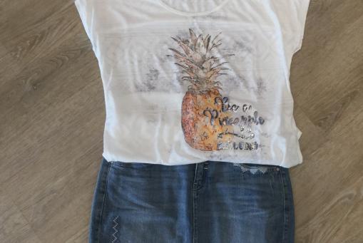 Shirt 49,99 und Rock 89,99 von Comma ci