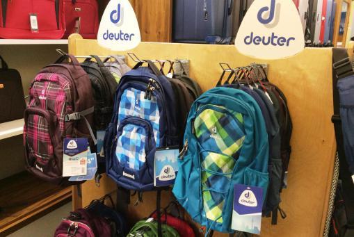 Rucksäcke von Deuter für Schule, Beruf, Freizeit und zum Reisen. Mit oder ohne Laptopfach.