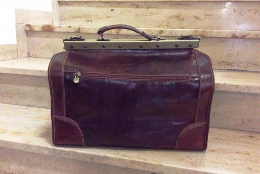 Maulbügel-Reisetaschen aus Leder immer ein Klassiker. Die besondere Reisetasche zum günstigen Preis.