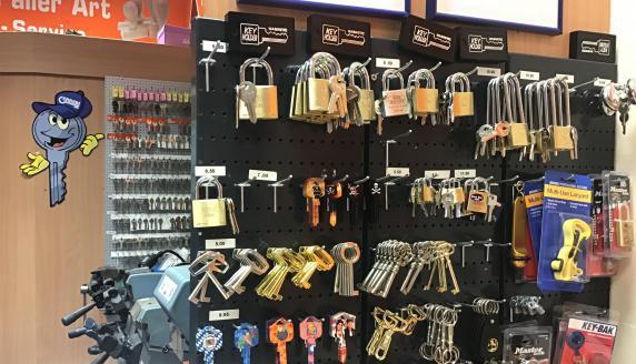 Key & more Schuh- und Schlüsseldienst in Regensburg Impression