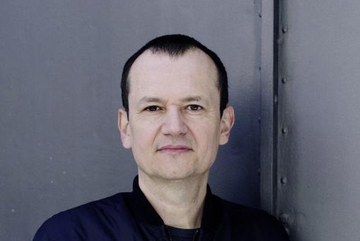 """Di 10. Okt. 17, 20h: Markus Binder """"Teilzeitrevue"""" Text und Musik"""