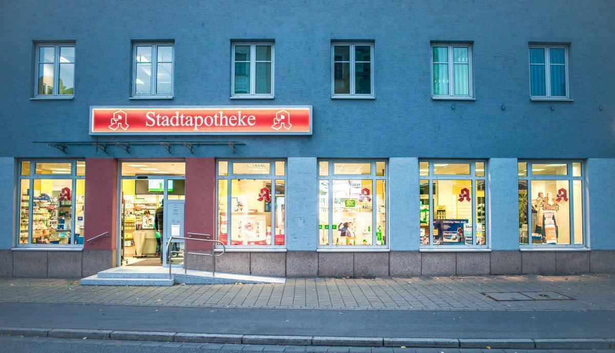 ffnungszeiten stadtapotheke regensburg regensburg adolf schmetzer stra e 14. Black Bedroom Furniture Sets. Home Design Ideas