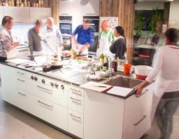 Toms Kochschule bei Küche Aktiv in Regensburg