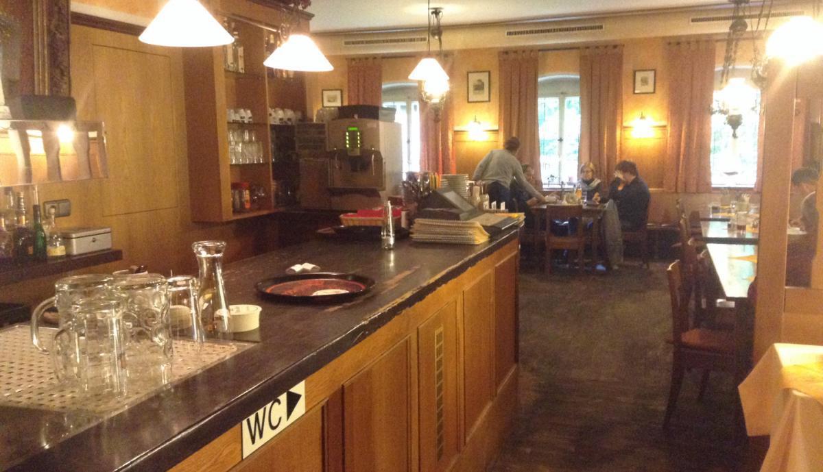 Öffnungszeiten Cafe unter den Linden Regensburg, Dr.-Johann-Maier ...