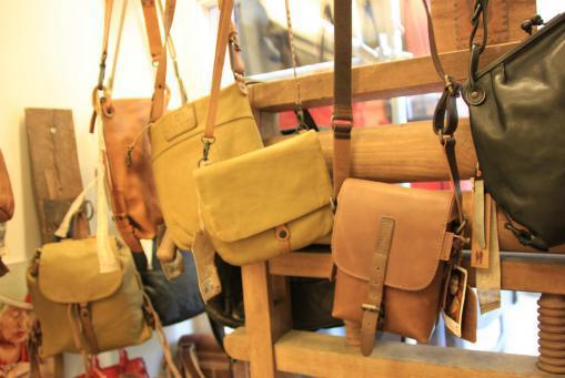 Taschen und Lederwaren