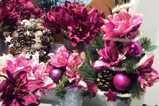 Weihnachtliche Kunstblumen