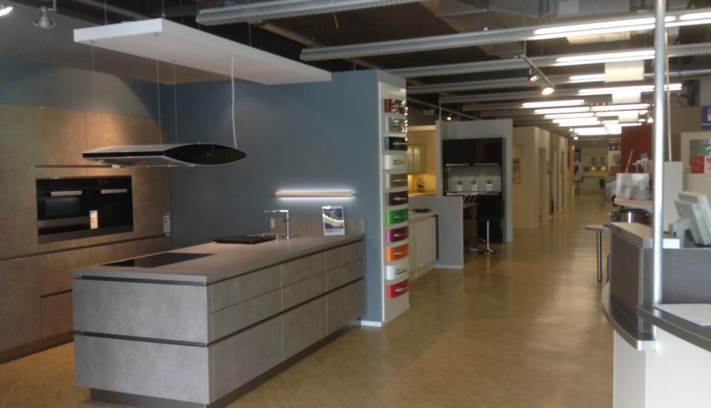 Öffnungszeiten Küchen Quelle Regensburg, Langobardenstraße 2