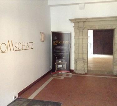 ffnungszeiten domschatzmuseum regensburg krauterermarkt 3. Black Bedroom Furniture Sets. Home Design Ideas