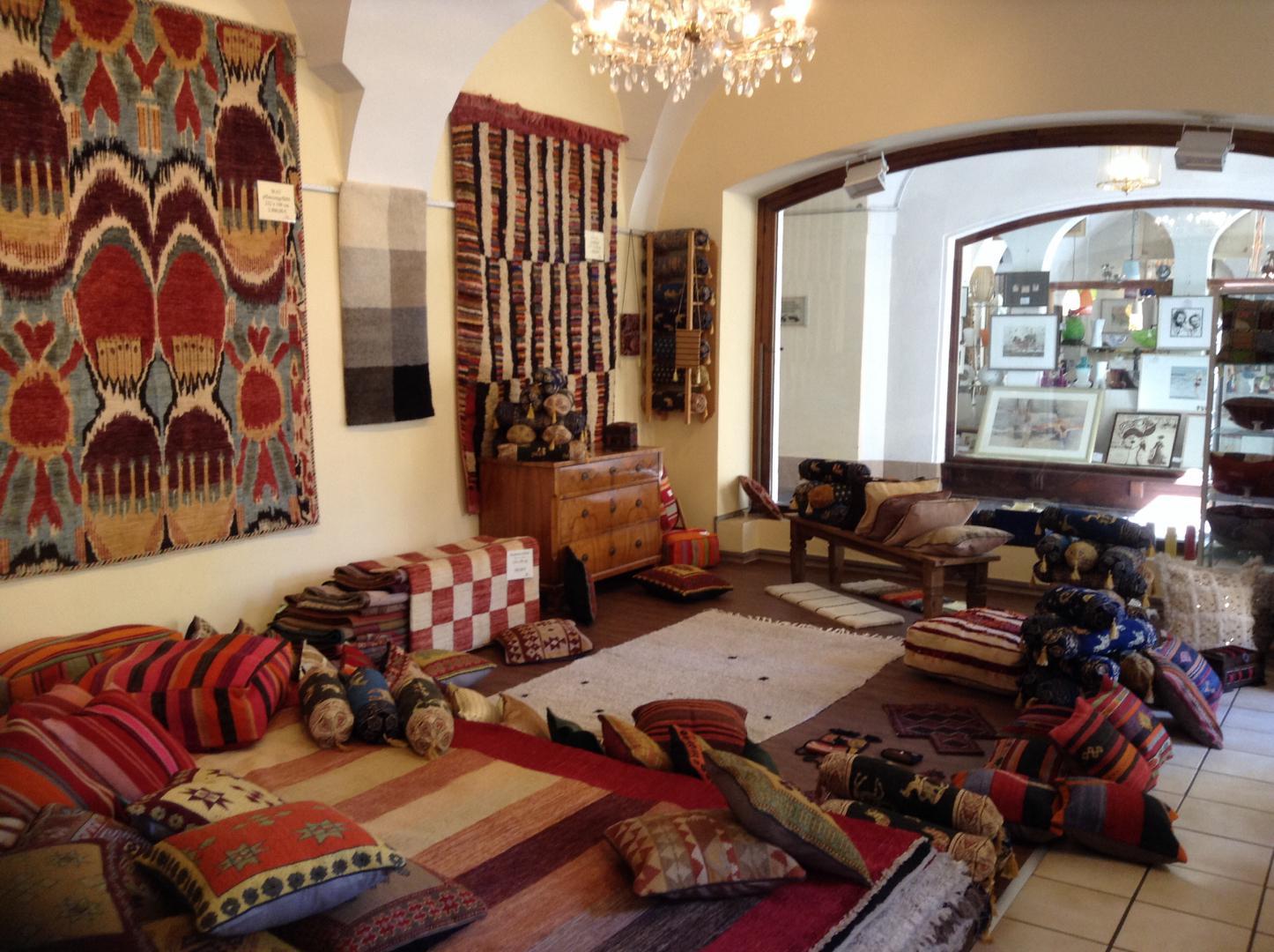 ffnungszeiten kolomann von rauchbauer regensburg. Black Bedroom Furniture Sets. Home Design Ideas