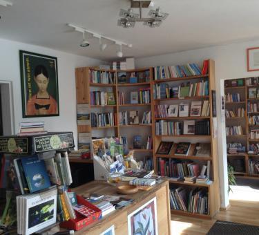 Nikola Buchhandlung